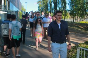 The President of the ANU Jewish Students Society, Etay Meretz, lead the walk, wearing the kippah.